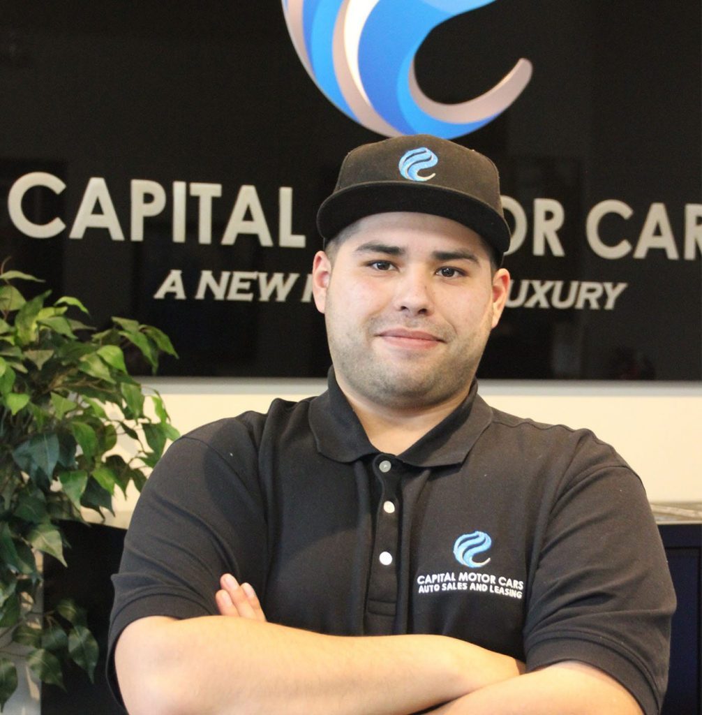 Headshot of Noam Sagiv from Capital Motor Cars