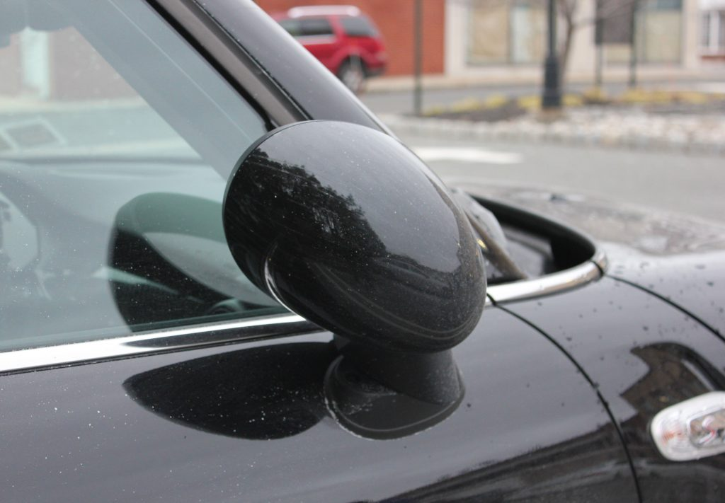Auto folding mirrors feature